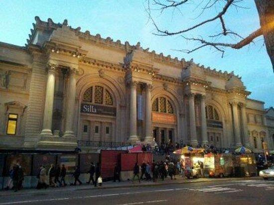 The Metropolitan Museum of Art: Entrada