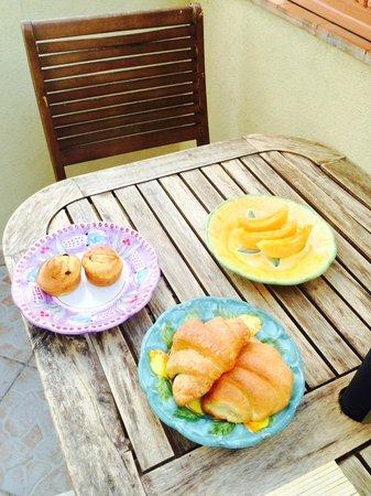 B&B Mamma Rosa Positano: Just a sneak peek of our breakfast