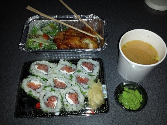 Zakura Noodle & Sushi: My take away order.