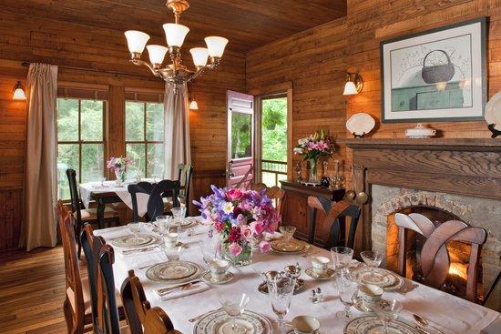 The Buck House Inn on Bald Mountain Creek: Dining Room