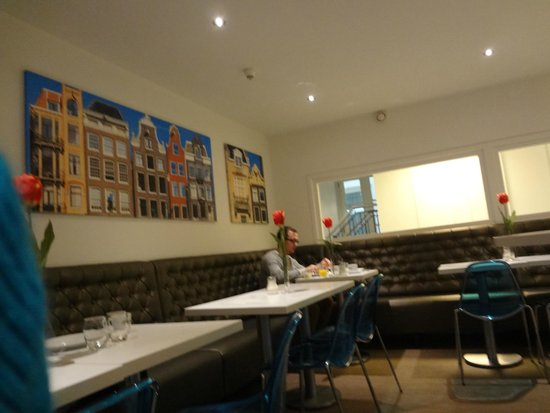 Ibis Styles Amsterdam Central Station: Area do café