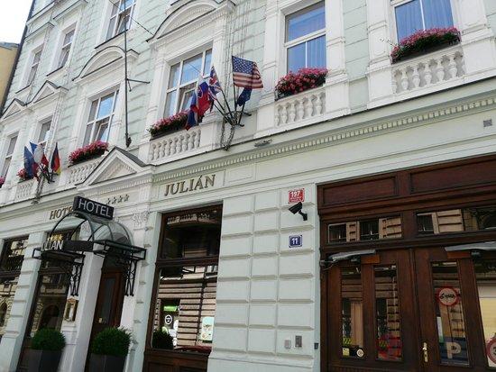 L'Hotel Julian