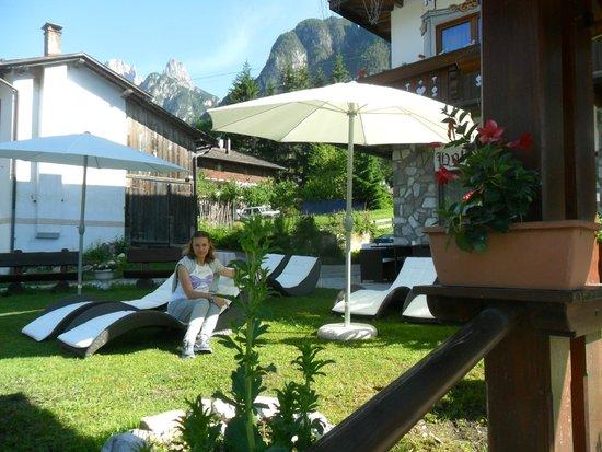 Hotel Al Sole: giardino con zona relax