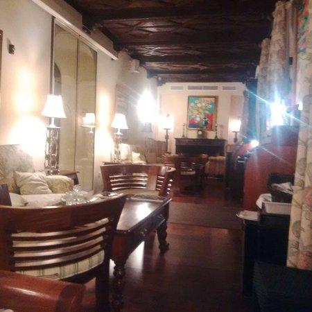 Hotel Montelirio: Salita junto al restaurante