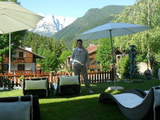 Hotel Al Sole: giardino con vista panoramica