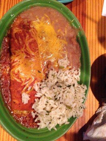 San Miguel's Mexican Cafe : Beef enchilada
