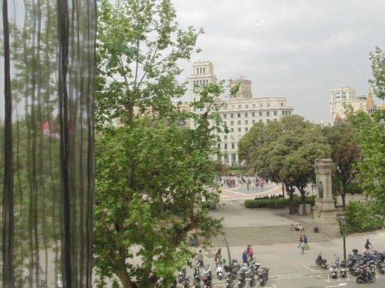 Hotel Olivia Plaza: Vista Pça Catalunha -  qto 208
