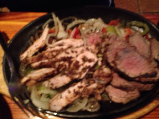 San Miguel's Mexican Cafe : Steak and Chicken Fajita