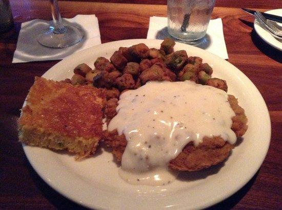 Hollie's Flatiron Steakhouse : Chicken fried steak! Yum!