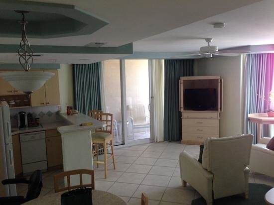 Lido Beach Resort : nice large room
