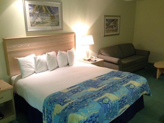 Lido Beach Resort: large bedroom from 2 bedroom suite