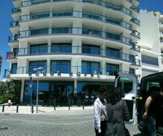 Hotel da Rocha: Front of hotel