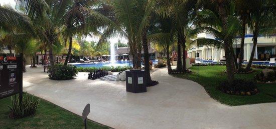 El Dorado Maroma, by Karisma: Main Pool Area