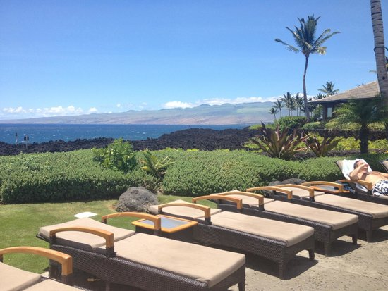 Halii Kai Resort at Waikoloa Beach: View from pool