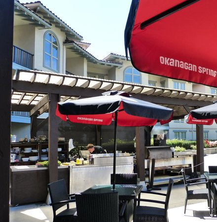 Walnut Beach Resort: Tapas Bar