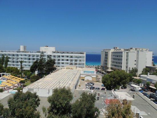 Mitsis Petit Palais Beach Hotel: Вид из номера, 6 этаж
