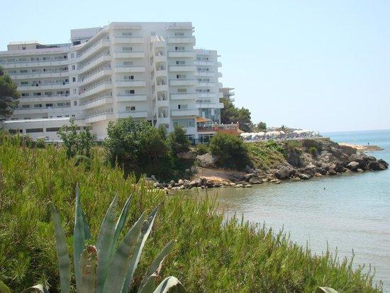 Best Negresco: vue hôtel de la plage
