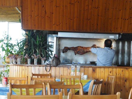 Anesis Spiros : Lamm am Grill