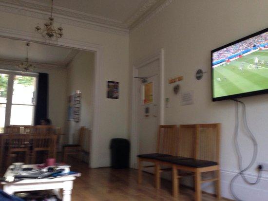 Saint James Backpackers: Living room