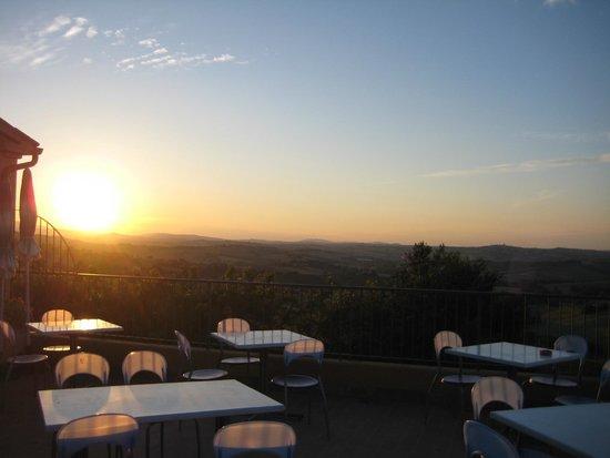 Cadabo: uitzicht van op terras