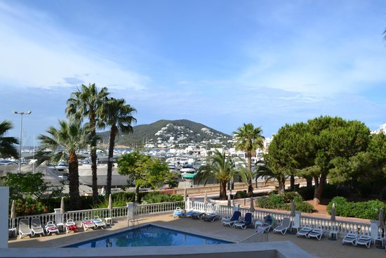 Hotel Tres Torres: View from our balcony - room 116