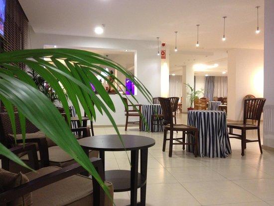 Hotel Terramarina : Холл