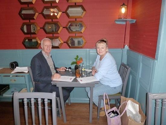 Rugantino Restaurant: corner table with new decor