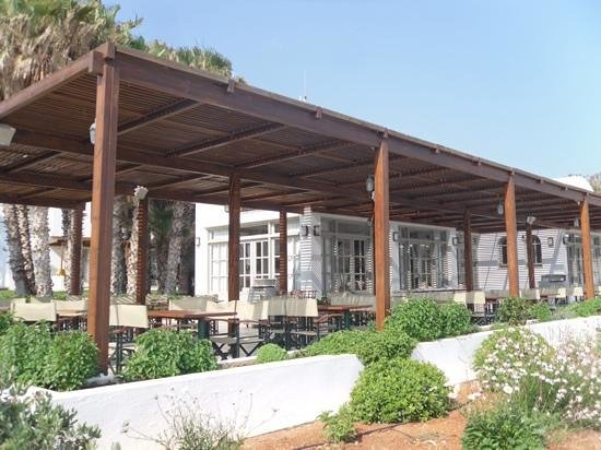 AKS Annabelle Beach Resort : beach restaurant