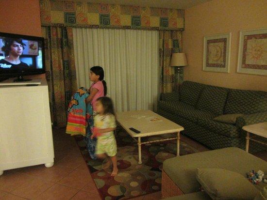 Orbit One Vacation Villas: living room