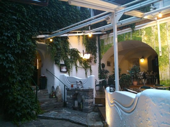 Pizzeria Zum Italiener: Outdoor area