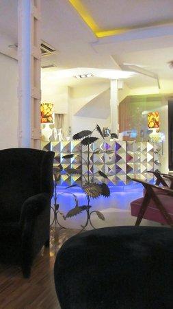 Hotel Abalu: Lobby