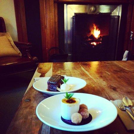 The Lovat, Loch Ness: desserts au coin du feu!