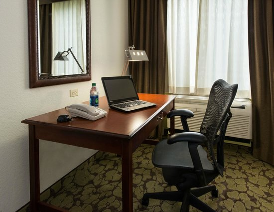 Hilton Garden Inn Lafayette/Cajundome: Herman Miller Desk Chairs and Complimentary WiFi in all guest rooms