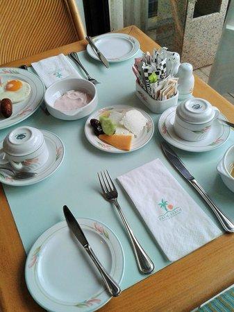 Palm Beach Hotel & Bungalows : завтрак