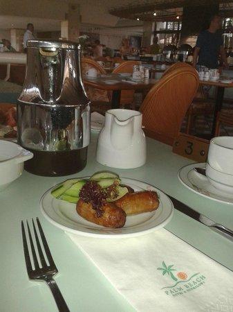 Palm Beach Hotel & Bungalows: завтрак
