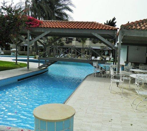 Palm Beach Hotel & Bungalows : территория бунгало