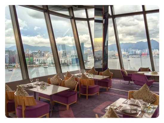 Harbour Grand Hong Kong: Rooftop restaurant - Le 188