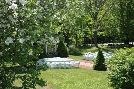 Clay Hill Farm: Wedding Ceremonies & Recptions for up to 200