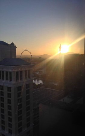 Vdara Hotel & Spa: View early morning