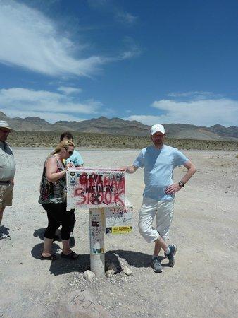"Adventure Photo Tours : ""Black mailbox"""