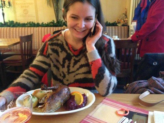 Nante Eck: Моя подруга в этом самом ресторане, с ЖИРНОЙ ЖИРНОЙ уткой))