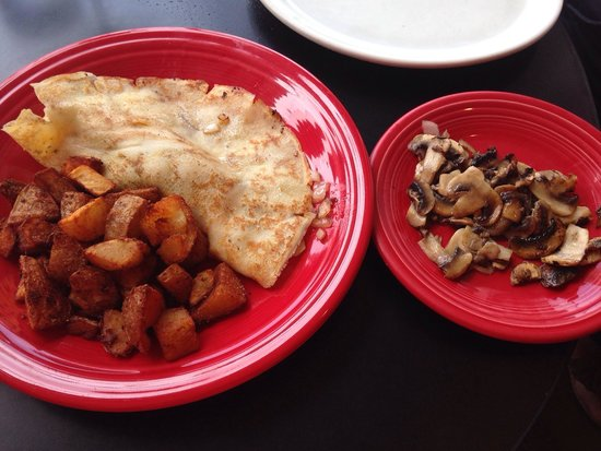 Pat's Cafe: California crepe with a side of mushrooms.