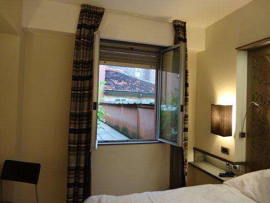 Hotel Diplomatic : Habitación 102