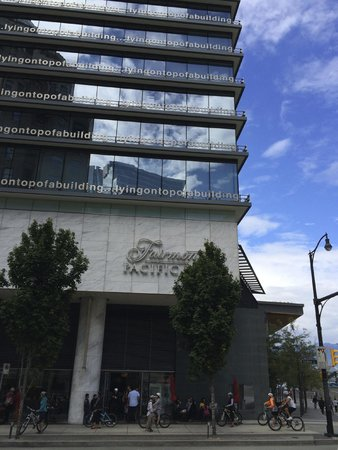 Fairmont Pacific Rim: Hotel from the outside