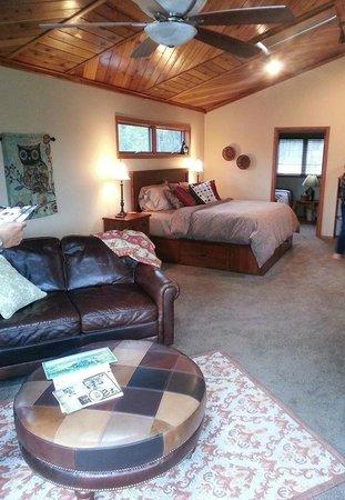 Swan Hill Bed & Breakfast : Delightful Suite!