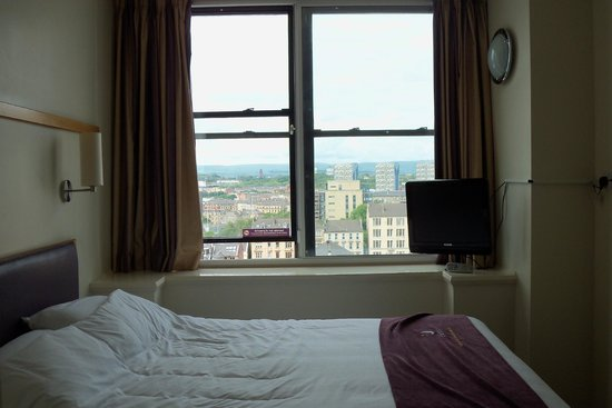Premier Inn Glasgow City Centre (Charing Cross) Hotel: Our room on the 12th (top) floor :)