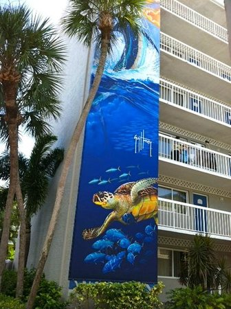 Guy Harvey Outpost, a TradeWinds Beach Resort: Side of Building