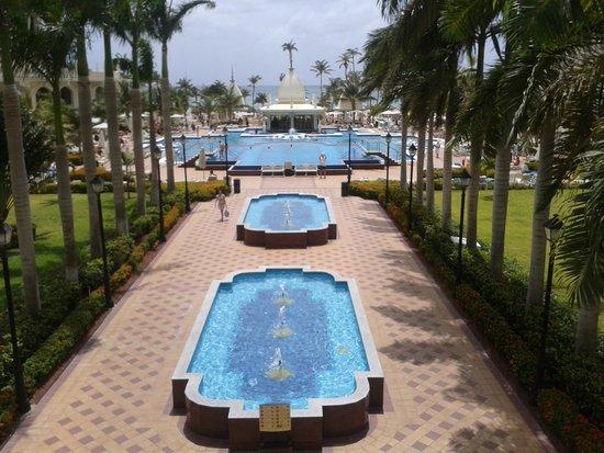 Hotel Riu Palace Aruba: Pool area
