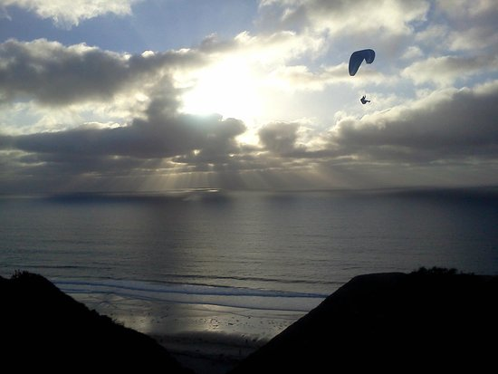 Torrey Pines Gliderport : Paragliding at sunset