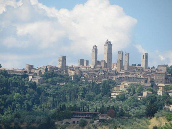Fun in Tuscany: View of San Gimignano